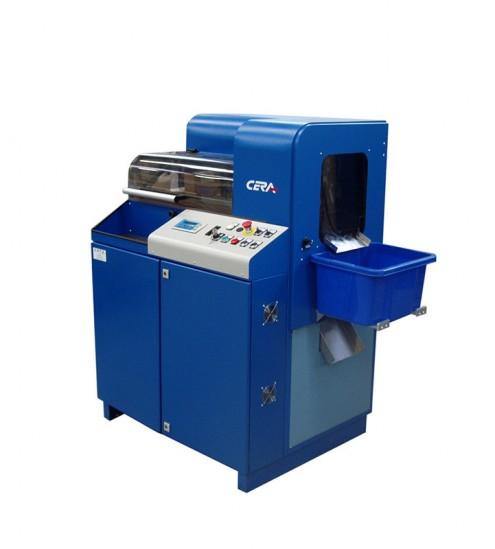Machine à couper les bandes d'agrafages de soutiens-gorge - Cera 300