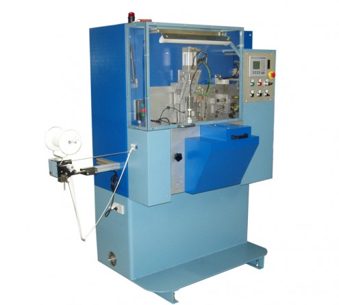 Machine pour confectionner les bretelles de soutiens-gorges